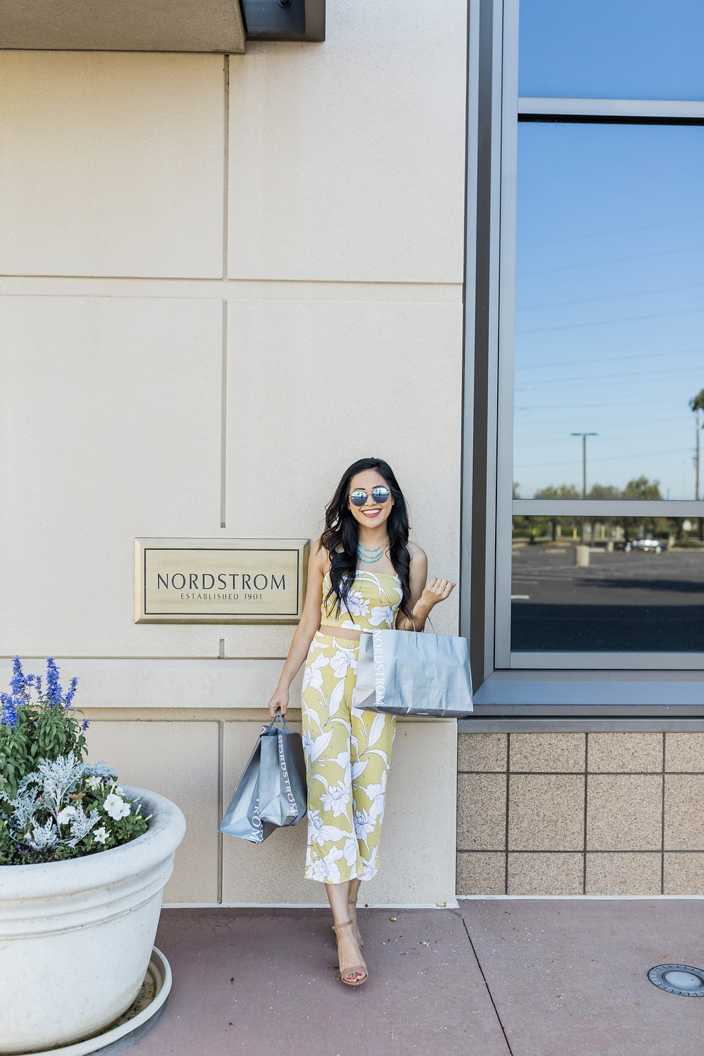 asian blogger yellow two piece outfit nordstrom anniversary sale 2019