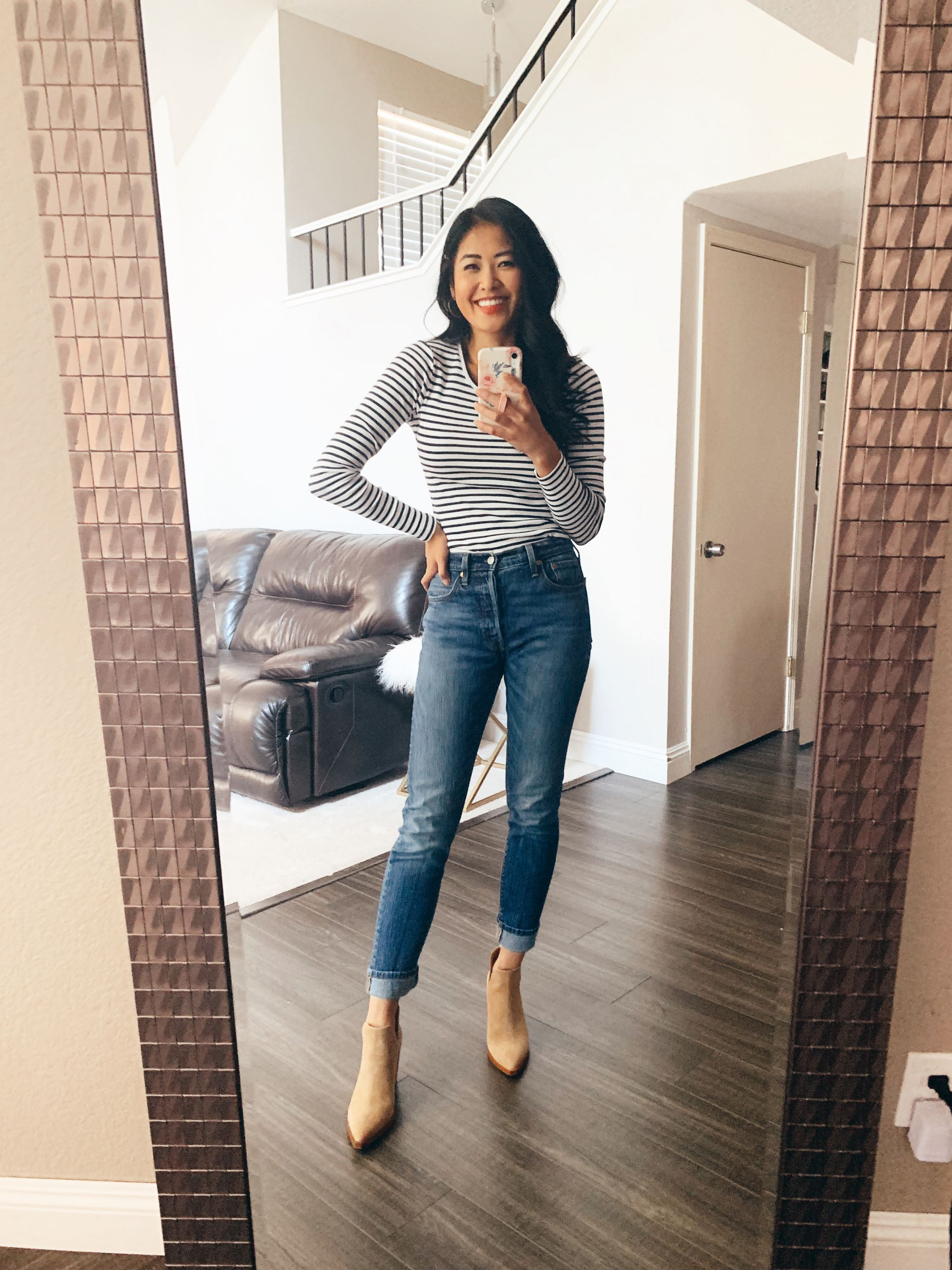 "alt=""piecesofemerald.com mirror selfie long sleeve navy striped t-shirt levis 501 jeans vince camuto camel suede booties"""
